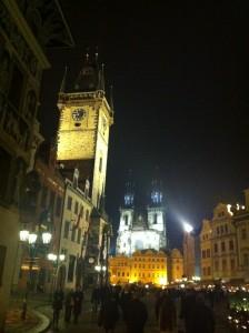 Praga - Torre dell'Orologio e Chiesa di Sanata Maria di Tyn