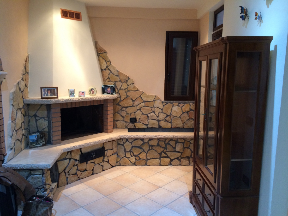 Ristrutturare casa stile rustico giorgio giussani for Case in stile mattone