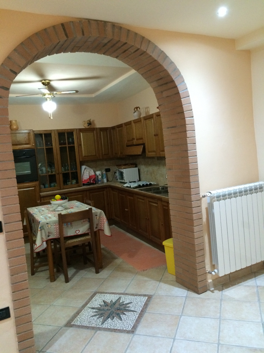 Ristrutturare casa stile rustico giorgio giussani - Arco interno casa ...